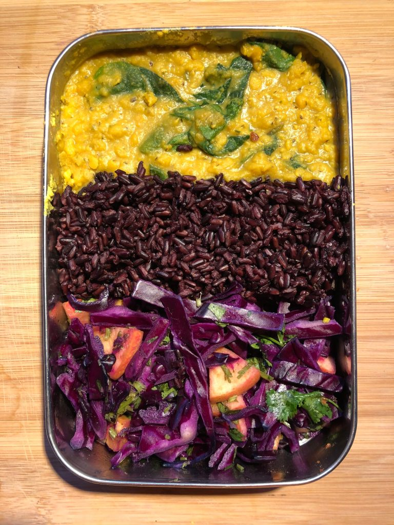 Red lentils dahl with red cabbage and black rice