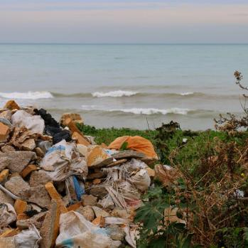 Beauty and trash: for me this pic sums up Lebanon better than any other.