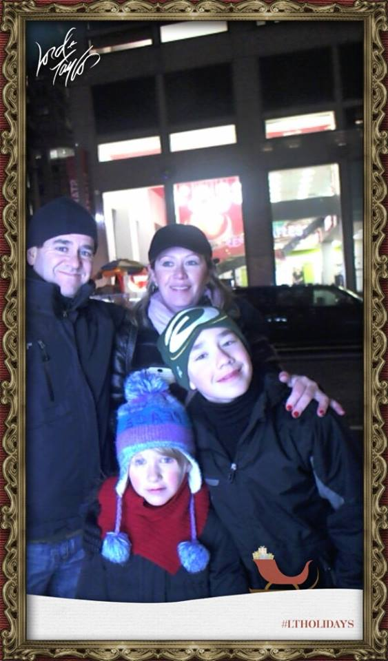 Lord & Taylor's Christmas Window photo app