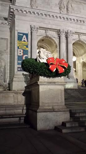 The New York Public Library's Lion statues were decorated with Christmas wreaths