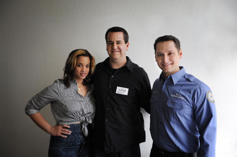 on the set Orange is the new black, Matt McGorry, Daya Diaz