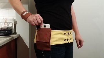 Hip Hugger Belt – a Handy Belt for a Mom Who Needs Two Hands