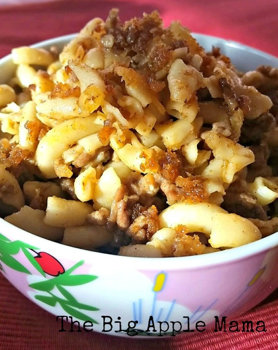 One pot Macaroni and Cheese complete with cheesy crunchy crust