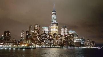 Best Night Views of Downtown Manhattan from NYC Moonlight Cruise