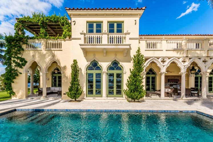 Bella Fortuna Fort Lauderdale-print-007-173-a pool side frame-4000x2667-300dpi1200 pxl