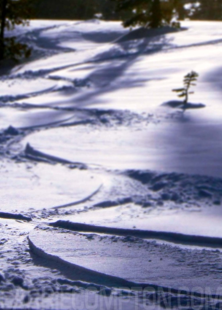 Powder tracks