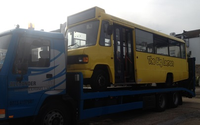 The bus without the starter motor being taken away last week (P229 EJW). The lorry has been hired from Alexander Engineering Limited 07754 197687