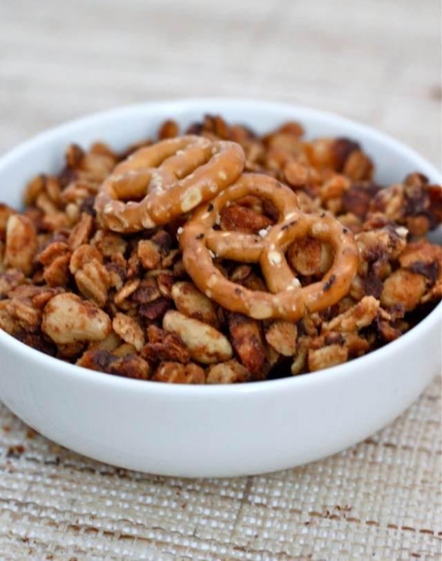 pretzel_peanut_butter_granola2