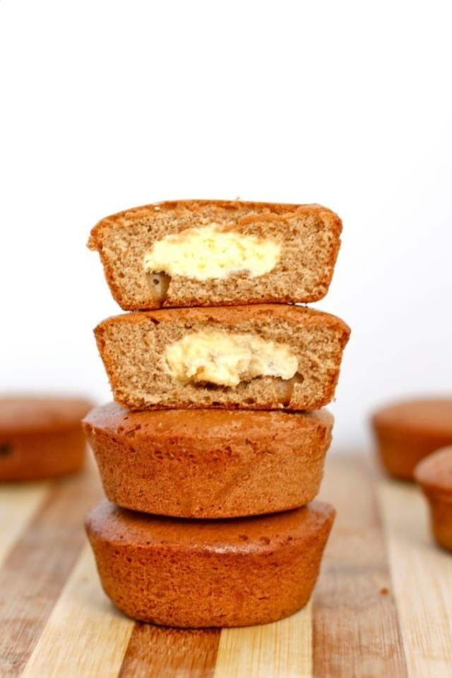 Healthy Pumpkin Cheesecake Muffins- Easy, delicious and LOADED with delicious spices- NO nasties and 100% delicious! {vegan, gluten free, sugar free recipe}- thebigmansworld.com