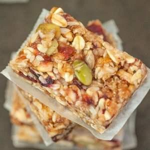 chewy-granola-bars-4FG