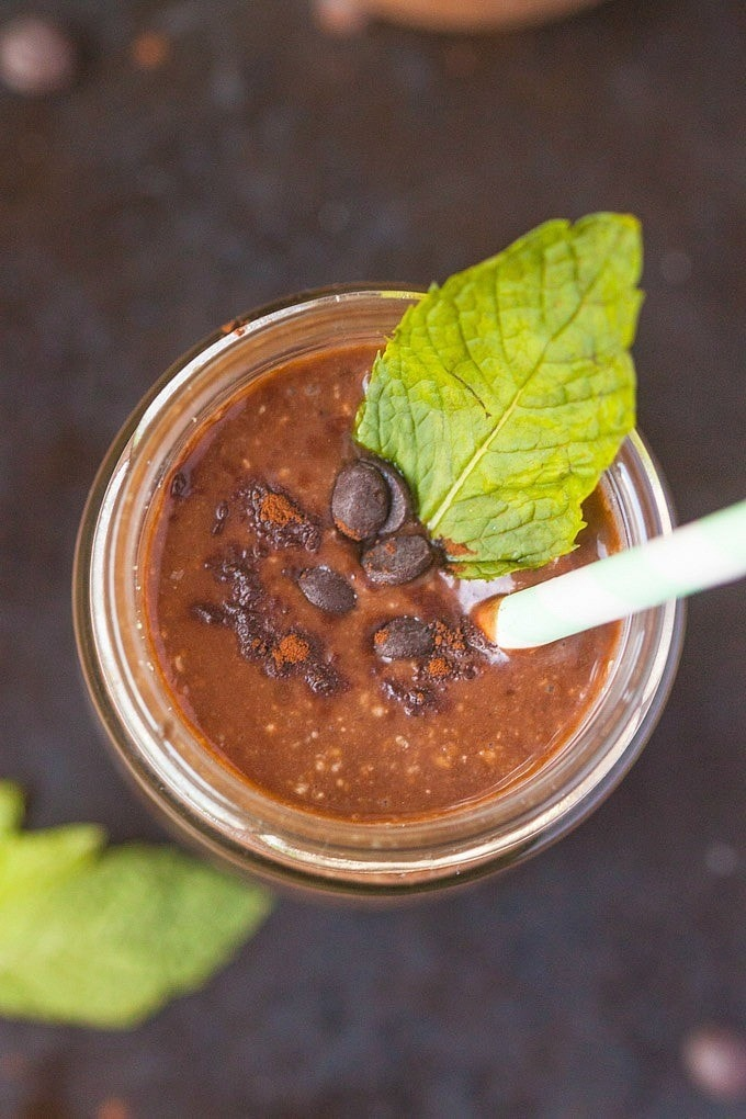 Healthy Peppermint Patty Smoothie- The consistency of ice cream and tasting like a peppermint patty, this smoothie is also #paleo #vegan #sugarfree and #glutenfree- Filled with #superfoods and perfect for #St.Pattys - thebigmansworld.com