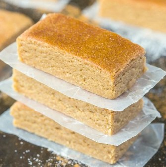 No Bake Apple Pie Protein Bars Recipe