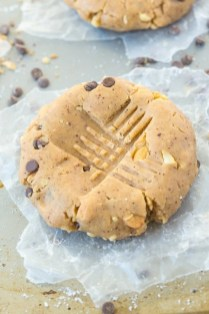 No Bake GIANT Paleo Cookie for ONE recipe- Thick, chewy and so delicious, these single serve cookies are filling, taste like dessert but are SO healthy! {vegan + gluten free} - thebigmansworld.com