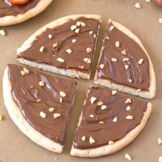 Low Carb Sugar Free Nutella Breakfast Pizza (Paleo, Vegan, Gluten Free)
