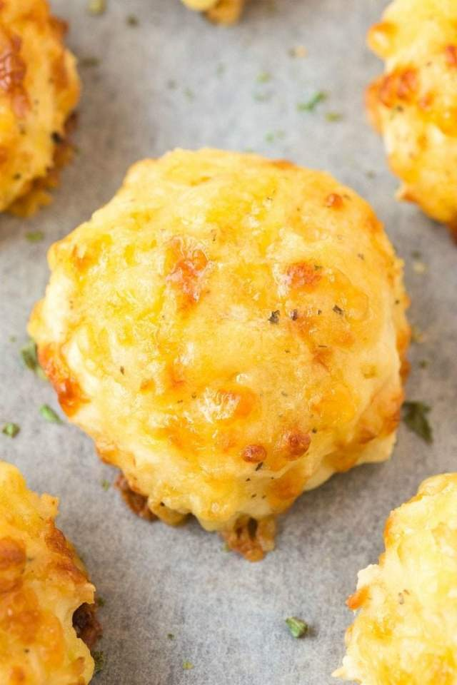 3 Ingredient Cheese Biscuits (V, GF, DF)- Easy, one-bowl THREE ingredient healthy cheese biscuits which are SUPER light, fluffy and ready in 20 minutes! {vegan, gluten free, dairy free recipe}- thebigmansworld.com