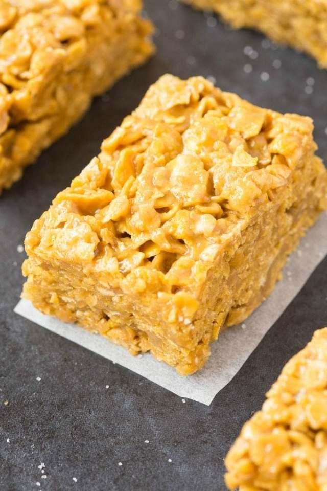 Cornflake bars made with peanut butter- They taste like cornflake cookies!
