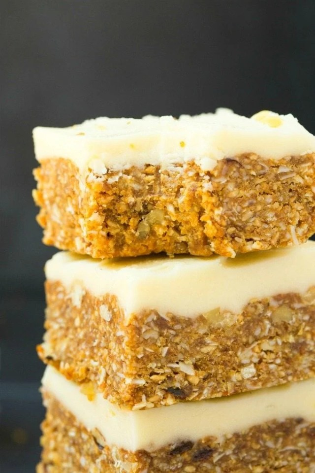 Healthy No Bake Carrot Cake (Keto, Paleo, Low Carb, Vegan)- An easy recipe for a raw no bake carrot cake, topped with a healthy frosting! Naturally sweetened, protein-rich and completely sugar free! #keto #ketosisrecipes #carrotcake #nobake | Recipe on thebigmansworld.com