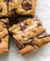 Easy peanut butter cookie bars with chocolate chips