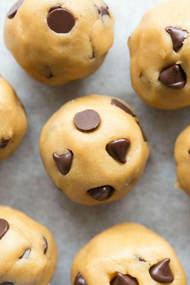 Easy low carb keto no bake cookie dough bites recipe