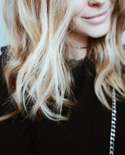 blonde ombre beach waves