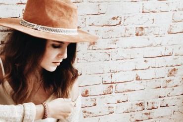 girl hat autumn style