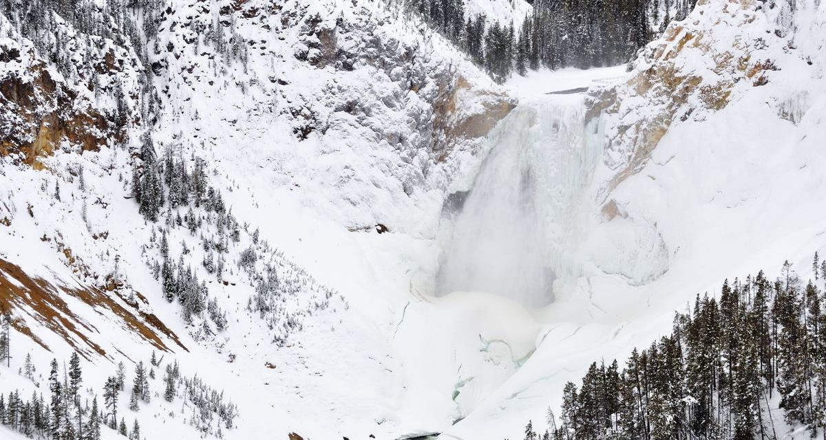 Cross-Country Skiing Yellowstone