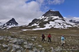 Hiking down the Visdalen to Spiterstulen.
