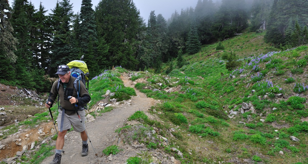 How I Decide What Touches My Skin: 5 Features to Look For In a Hiking Base Layer
