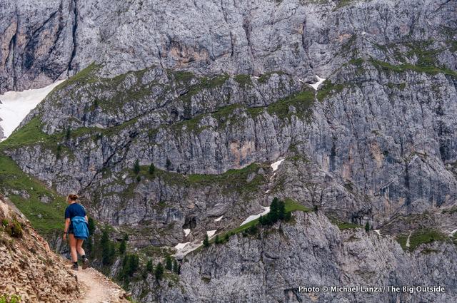 Hiking the Rundweg Peitlerkofel (Trail 8A) around Sas de Putia, near Erbe Pass.