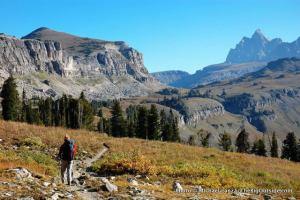 Backpacking across Death Canyon Shelf on the Teton Crest Trail, Grand Teton National Park.