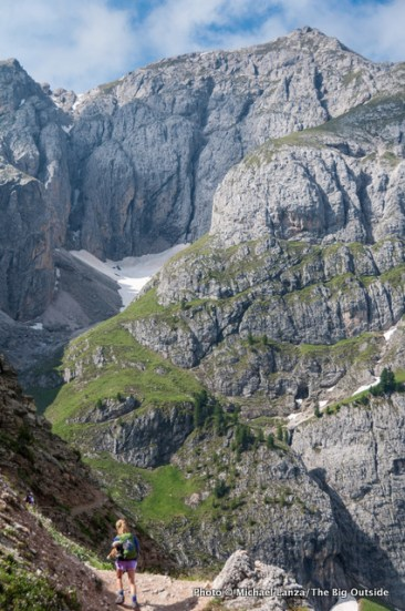 Trekking around Sas de Putia, near Erbe Pass, Dolomites, Italy.