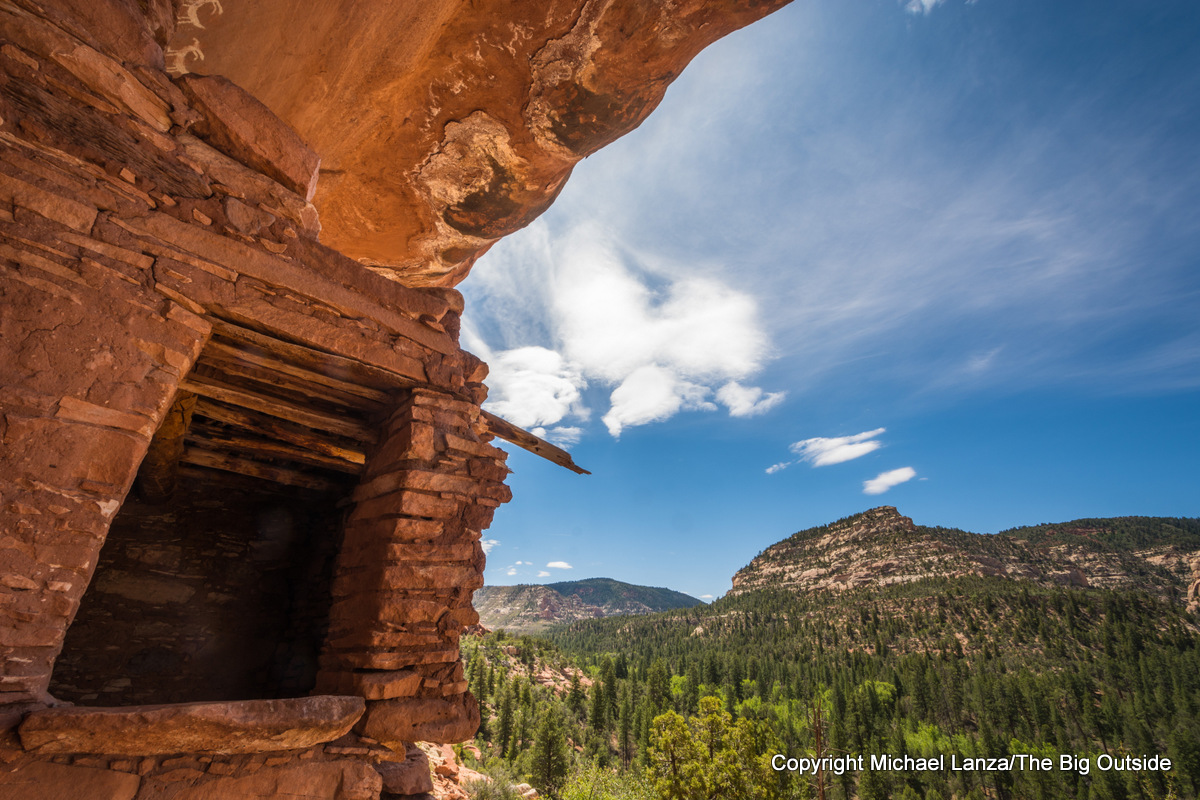 Ancient Puebloan ruin in Woodenshoe Canyon, Dark Canyon Wilderness, Utah.