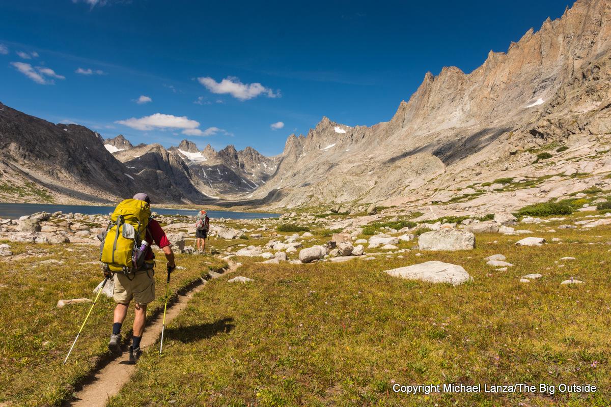 Backpackers hiking the Titcomb Basin Trail, Wind River Range, Wyoming.