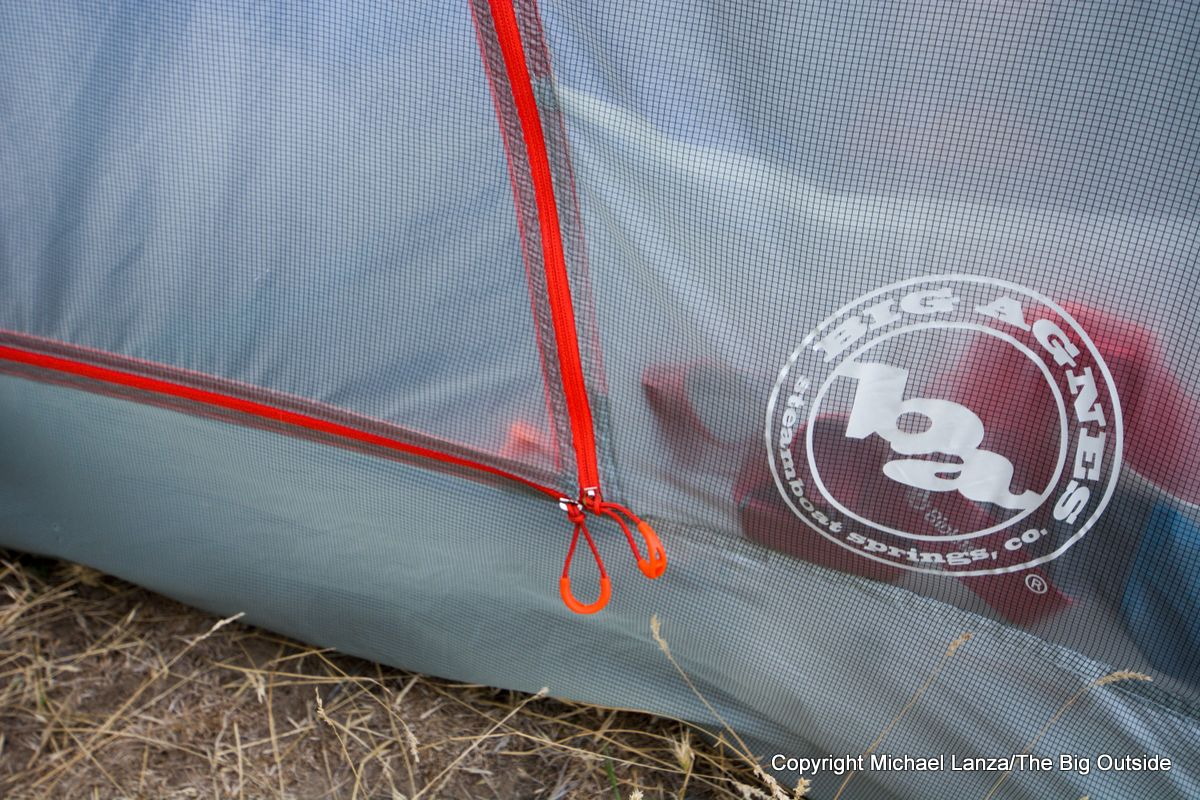Big Agnes Copper Spur HV UL2 door zippers.
