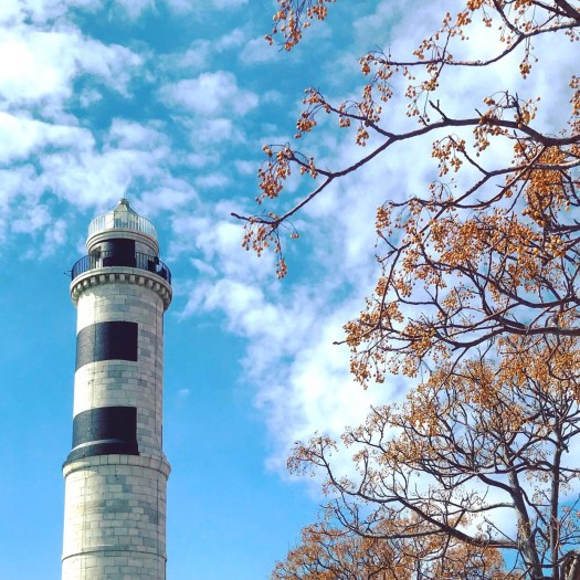 Photo of the tall skinny lighthouse in Murano