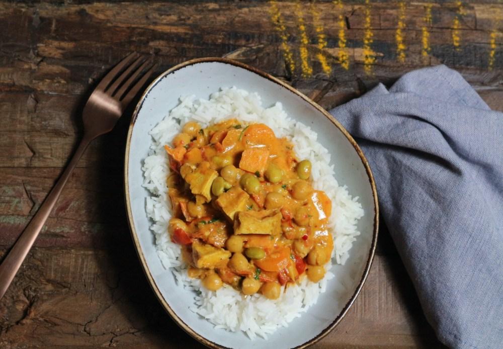 Kokos-Tomaten Curry mit Tofu