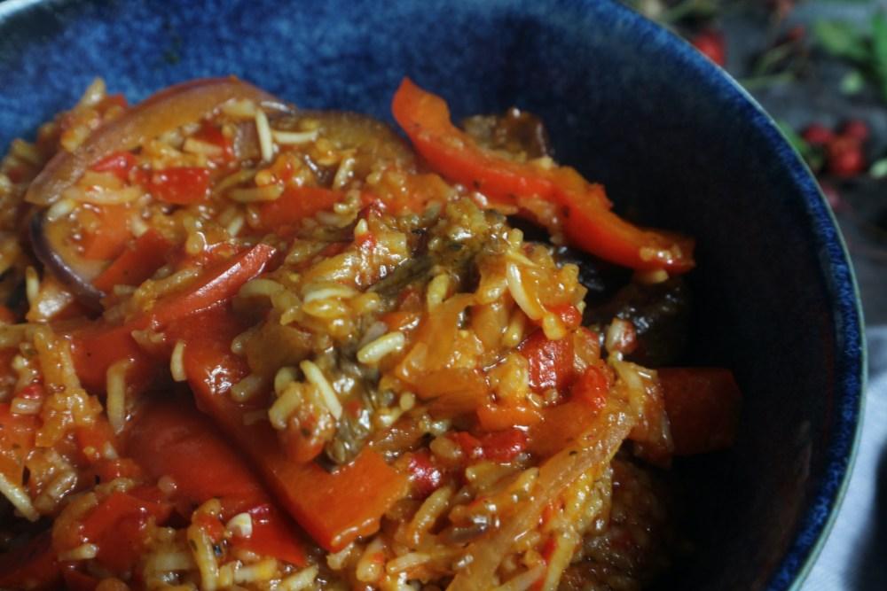Ofenpfanne mit Reis und Steak