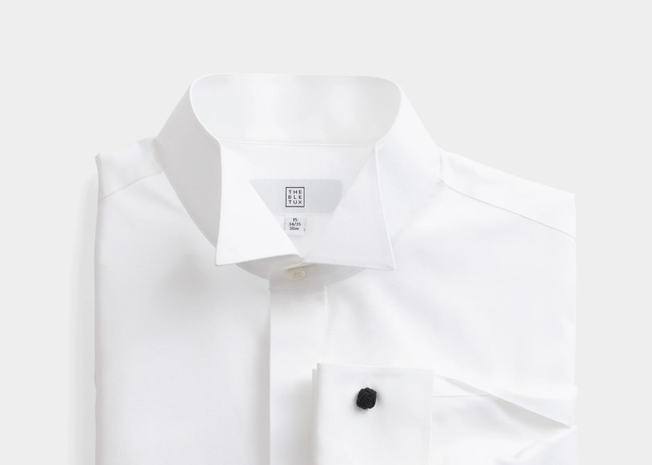 Wing tip collar shirt