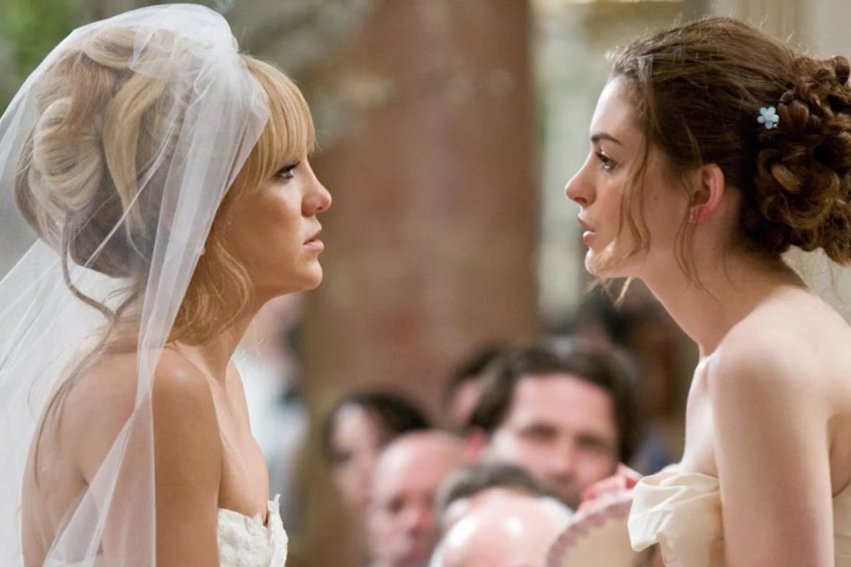 Kate Hudson and Anne Hathaway duke it out in one of the Bride Wars movie weddings.