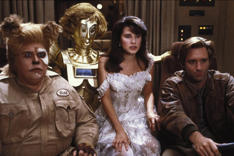 Bill Pullman and John Candy look worried in Spaceballs.