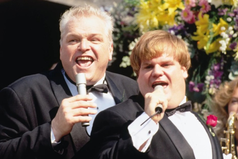 Tommy and Big Tom sing at the wedding in Tommy Boy.