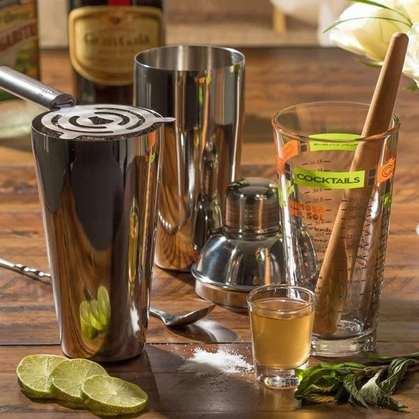 Best groomsmen gifts for cocktail lovers: Libbey bar set.