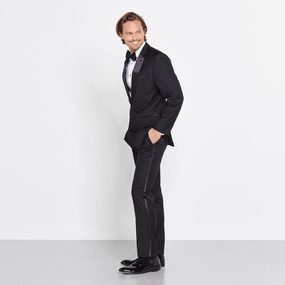Notch lapel tuxedo rental for grooms and groomsmen.