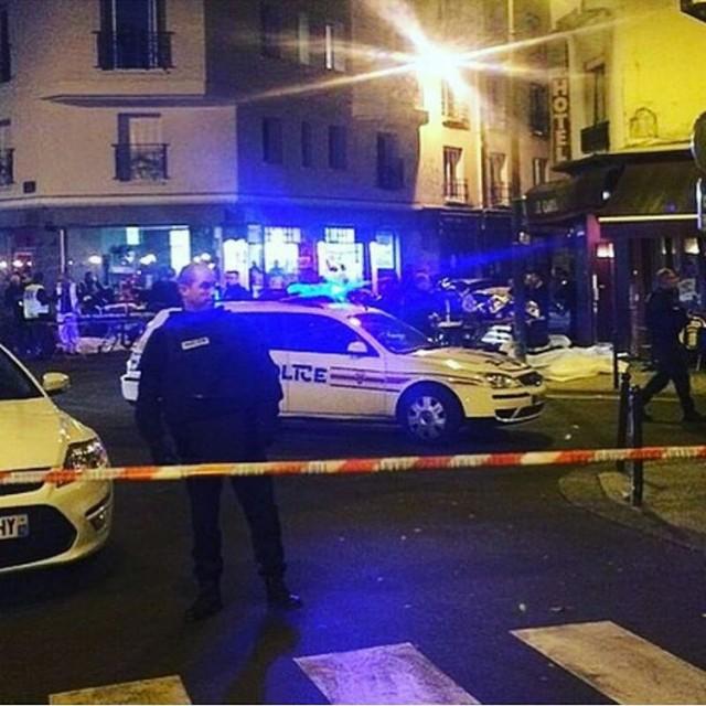 Più di 100 morti negli attacchi di terrore multipli di Parigi