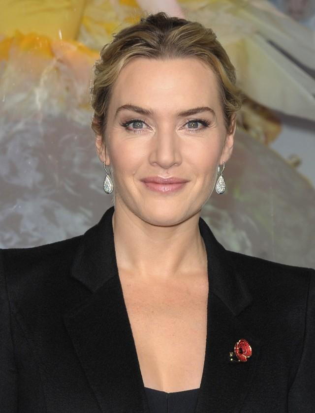 Kate Winslet pensa che parlante dello stipendio Gap di Hollywood sia il ` volgare