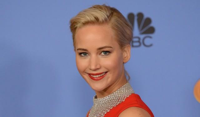 Internet non apprezza le cattive osservazioni di Jennifer Lawrence a quel reporter