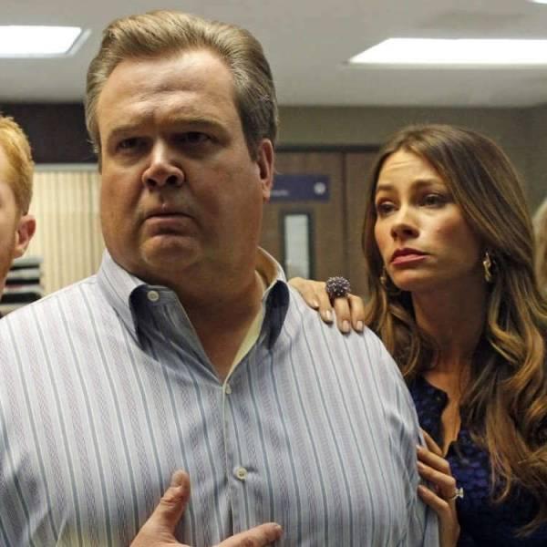 Tucker Carlson Had Alleged Affair With Julie Bowen of ...
