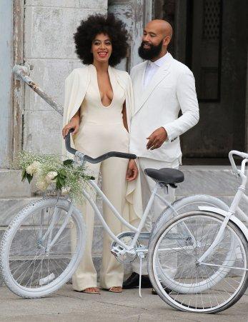 solangewedding_couplebike2