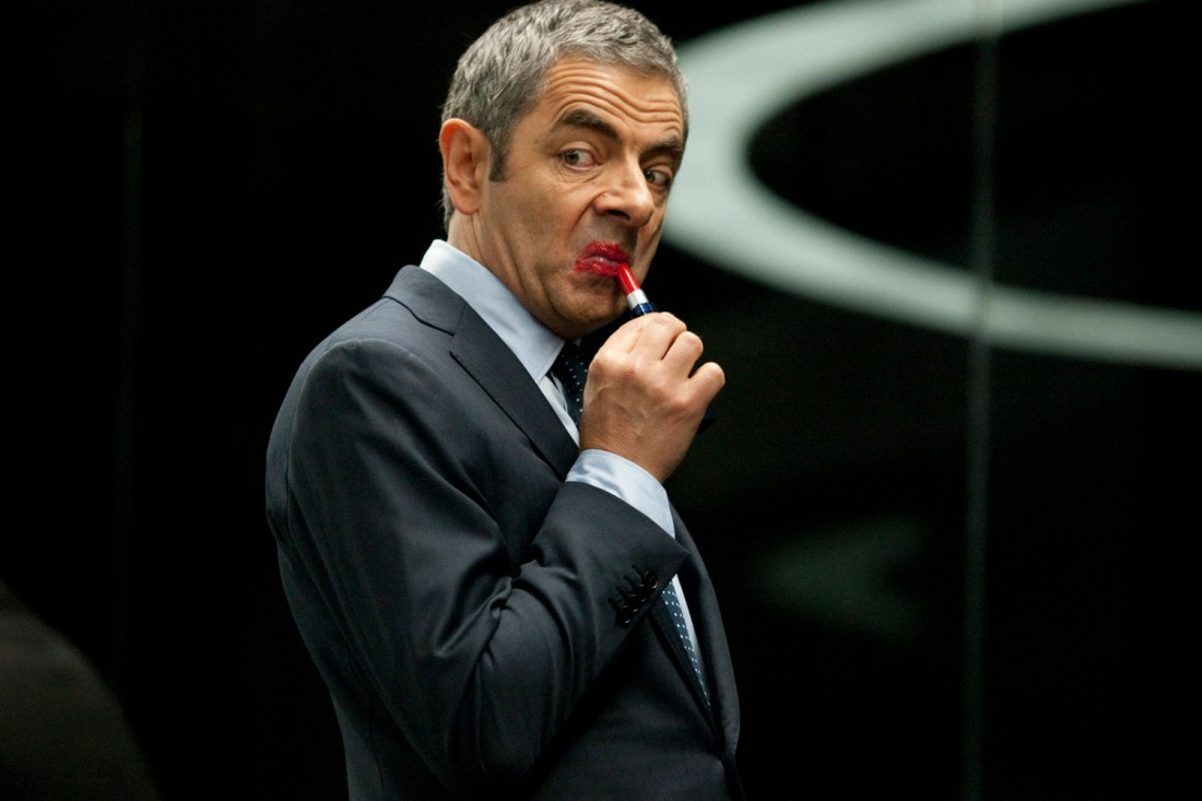 johnny-english-reborn-rowan-atkinson-lipstick