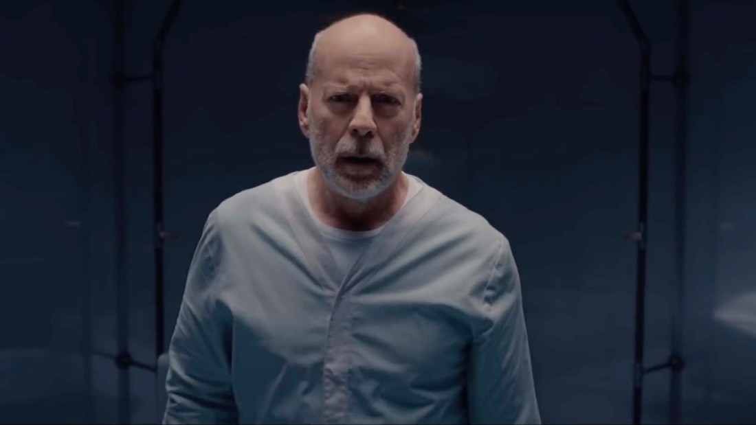 new-motion-poster-for-glass-features-bruce-willis-as-david-dunn-social